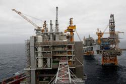 Oil prices slip despite big US inventory fall