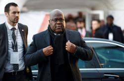 Ousting hold-out regional governor, Congo's president tightens control