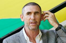 Soccer-Arsenal Europa League exit embarrassing, says Keown