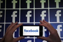 Facebook panel punt on Trump puts onus back on Zuckerberg