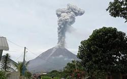 Indonesia's Sinabung volcano erupts