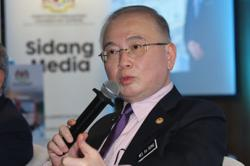 Dr Wee: Validity of public service and commercial vehicle licences extended between three and five years