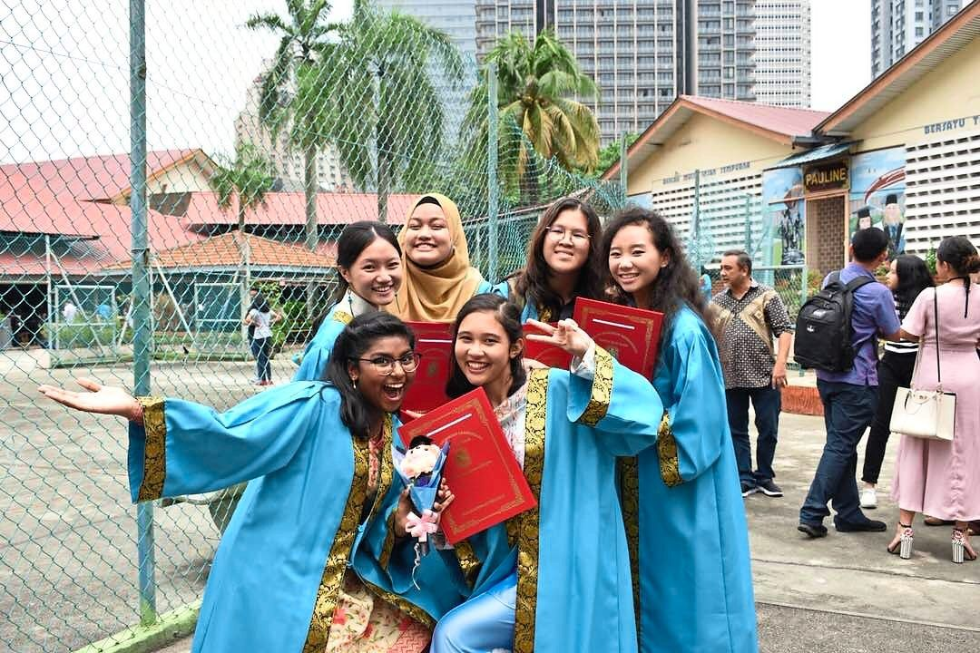 Friends for life: Yeu-Mynn (second from left) and her buddies at their graduation ceremony in 2017.