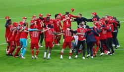 Soccer-Bayern celebrate title win by demolishing Gladbach
