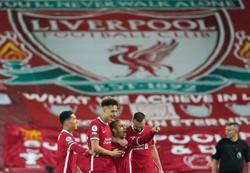Soccer-Mane seals win for Liverpool to keep top-four hopes alive