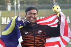 The flag will raise Khairul up
