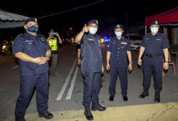 Police order more than 500 vehicles to turn back at Kelantan border