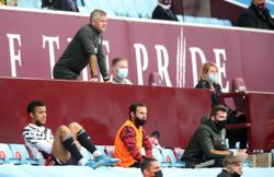 Soccer-United's Solskjaer happy to delay Man City title party