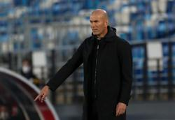 Soccer-Zidane bewildered by handball decision as Real title hopes slip