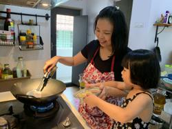 A little help in the kitchen makes cooking easier for modern working mums
