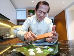 This 65-year-old home cook still makes 100-year-old Javanese kuih recipes