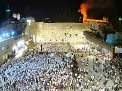 Tree catches fire outside Jerusalem's al Aqsa mosque, no damage to mosque