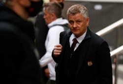 Soccer-Solskjaer urges fans to avoid violent protests before Liverpool game