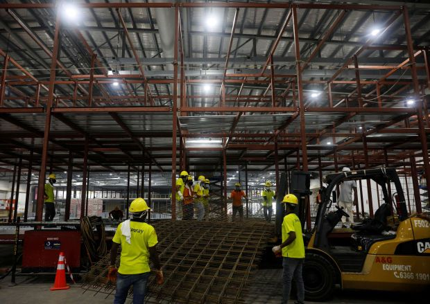 Singapore workers (File pic)