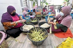 Weaving a Raya success