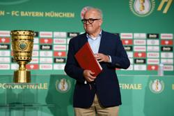 Soccer-German FA boss Keller offers to step down over Nazi comment