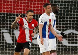 Soccer-Ings strikes twice as Southampton beat Palace
