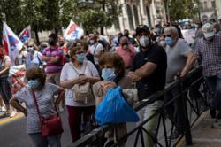 Greece presents contentious labour reform bill