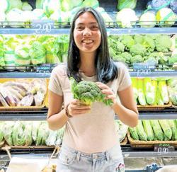 Johoreans turn to online shopping for festive needs