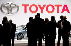 Toyota roars back with robust profit forecast