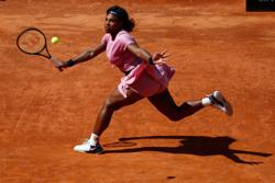 Tennis-Serena suffers shock loss in 1,000th match