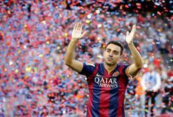 Soccer-Xavi signs new contract with Qatari side Al-Sadd to 2023