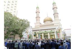 Uighurs in Xinjiang, China celebrate first day of Aidilfitri with prayers, family gatherings