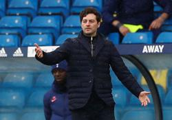 Soccer-Interim boss Mason open to staying at Spurs in coaching role
