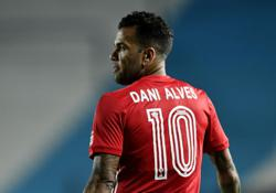 Soccer-Brazil recall Alves for World Cup qualifiers