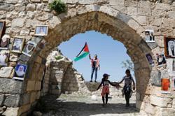 Terengganu exco donates salary to Palestinians