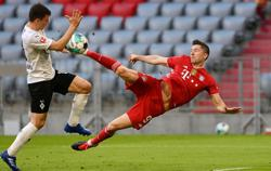 Soccer-Lewandowski equals Mueller's 1971/72 record with 40th goal of season