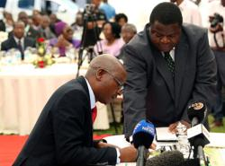 Zimbabwe minister rebukes judiciary after chief justice ruling