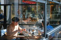 UK restaurants hit with chef shortage as indoor dining resumes