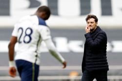 Soccer-Mason wants more as Spurs relish attacking set-up in Wolves win