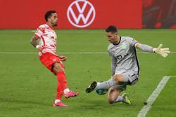 Soccer-Wolfsburg clinch last Champions League berth despite draw at Leipzig