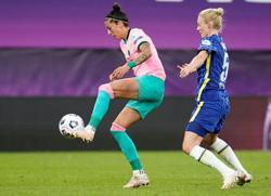 Soccer-Barcelona beat Chelsea to win Women's Champions League final