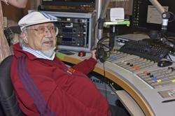 96-year-old DJ bids farewell to long-running radio show in Hong Kong