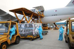 More than 1.6 million AstraZeneca doses arrive in Vietnam; new doses to be given to worst-hit localities