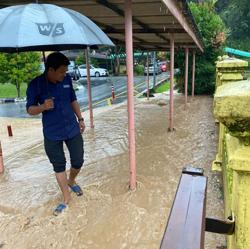 School in Melaka hit by massive flash flood