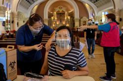 Experts says 'India scenario' of Covid-19 surge 'very possible' in Philippines as country logs 5,979 new virus cases