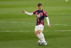 Soccer-Kroos tests positive for COVID-19, will miss Real title showdown