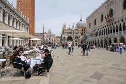 Italy shortens COVID curfew, eases other restrictions -sources