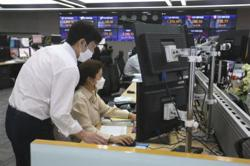 Asia markets mostly rise but virus, inflation fears linger