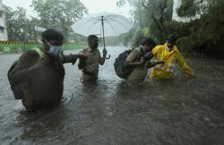Cyclone in western India weakens further, biggest private port reopens