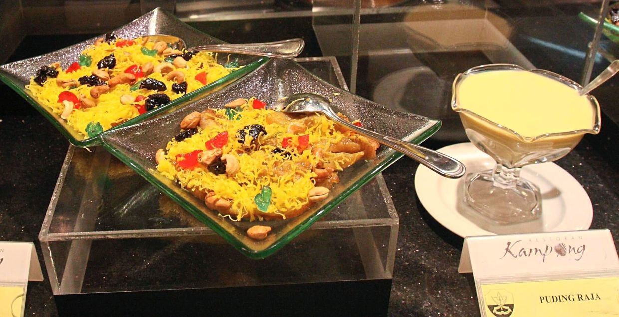 Puding raja is a sweet and colourful dessert. — Filepic