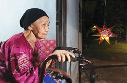 Quiet Hari Raya for 89-year-old widow