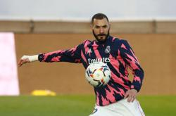 Soccer-Benzema called up to France squad for Euro 2020