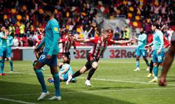 Soccer-Brentford fight back to return to Championship final