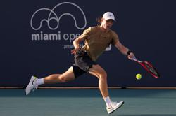 Tennis-Shapovalov pulls out of French Open due to shoulder injury