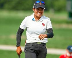 Amazing Alyaa fights back to stay in contention
